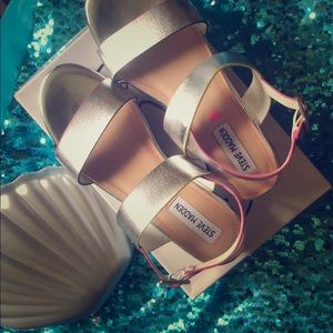 Metallic Silver sandals for big girls 💕